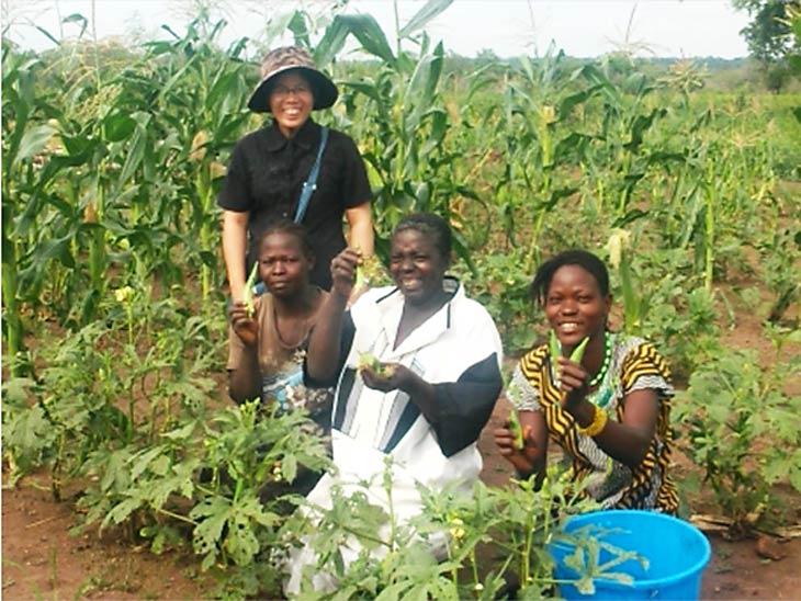 South Sudan women working on farm