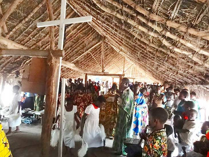 mass in Makpundu, South Sudan refugee camp